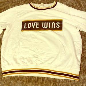 Love wins Sweat shirt